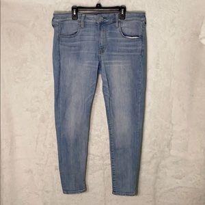 Womens American Eagle blue denim jeggings/jeans